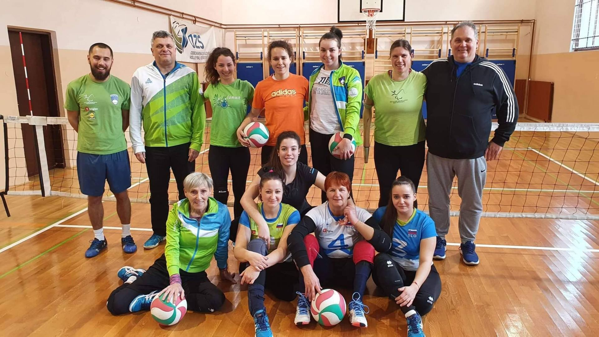 SLOpara volley